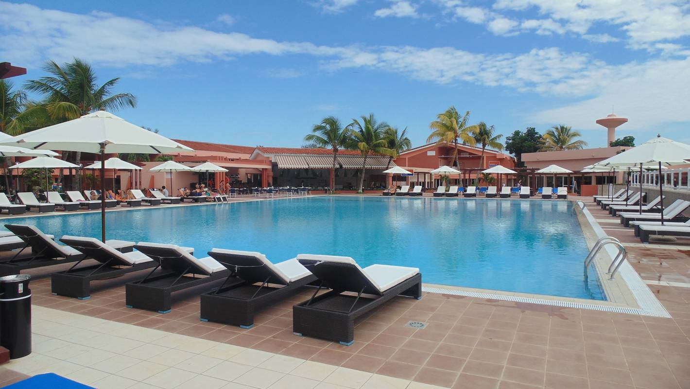 Book your holidays blau arenal habana beach hotel cuba